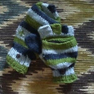 ❄Blue & Green Hand Knit Pop Top Lined Mittens❄